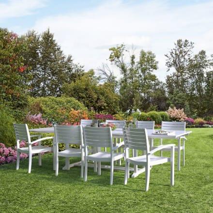 Udtræksbord og 8 stabelbare stole i akacietræ
