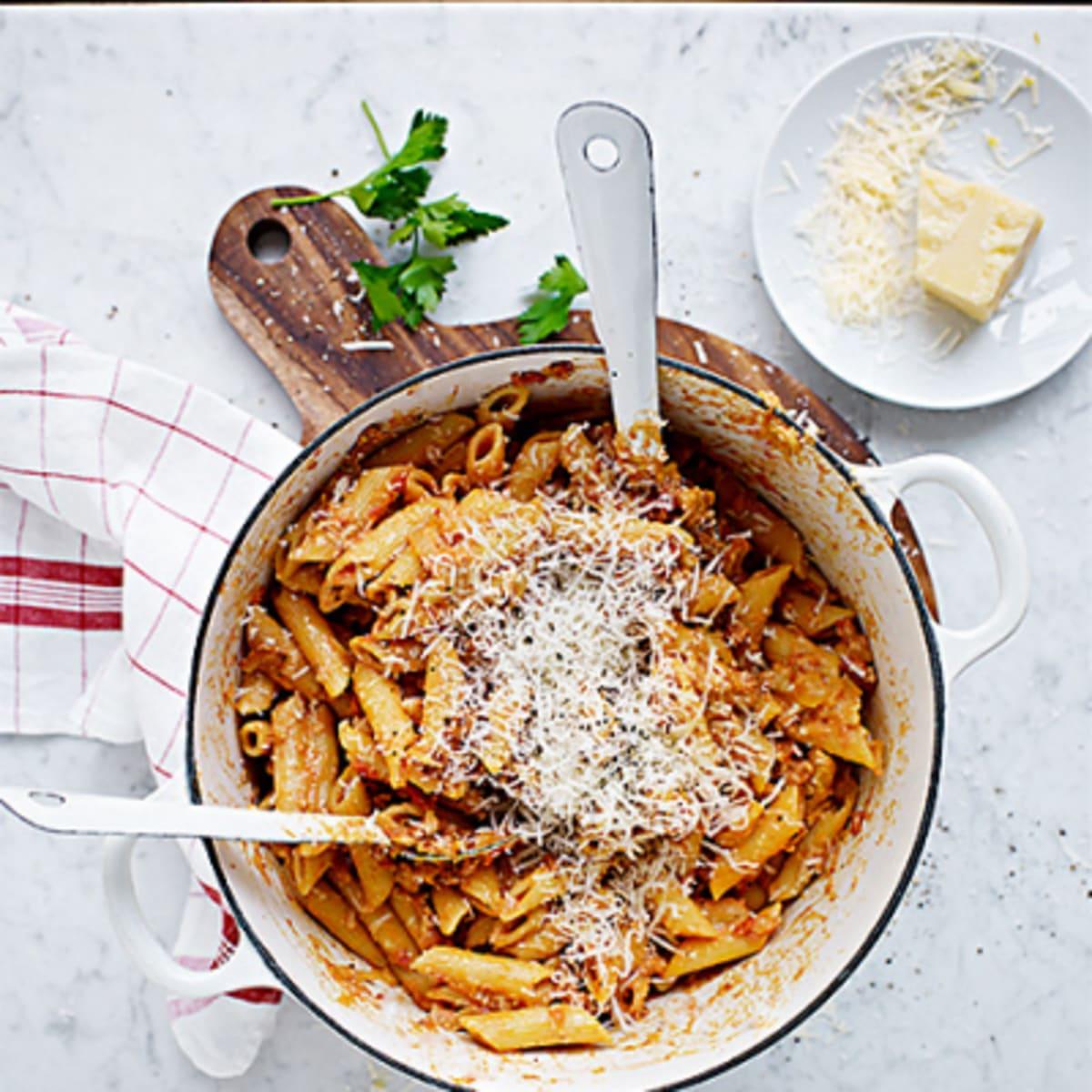 pasta med bacon och grädde