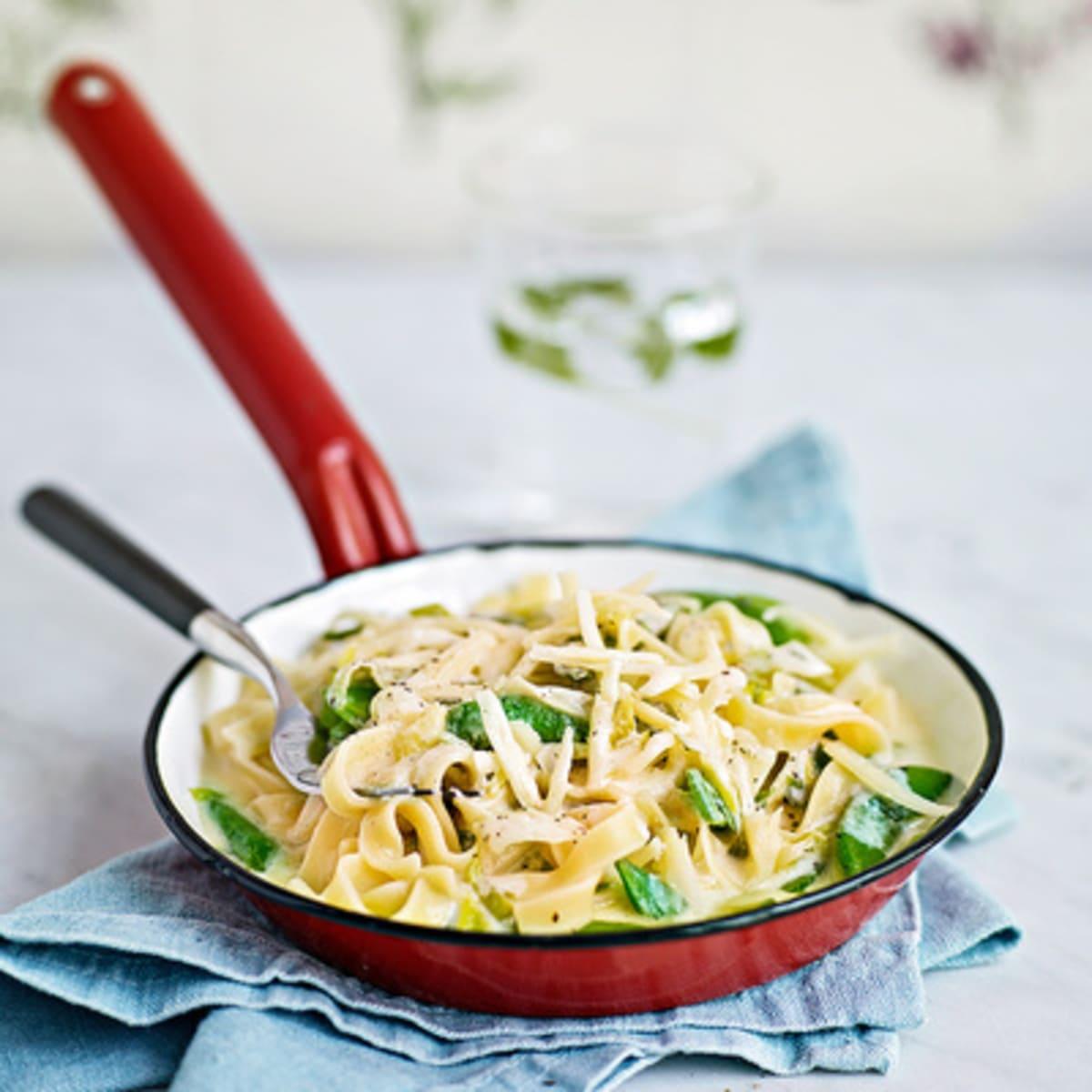 ostsås pasta creme fraiche