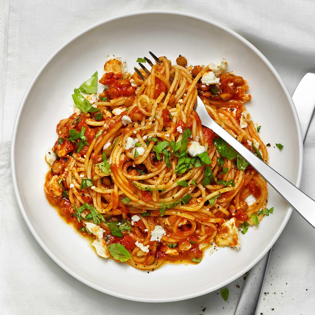 pasta med tomatsås och linser