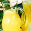 Grillbål med ananas och apelsin