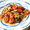 Körsbärstomater bakade i ugn med örter och parmesanost