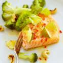 Chili- och ingefärslax med broccoli