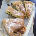 Tortantobröd med gröna oliver och mozarella