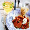 Korvslantar i het tomatsås