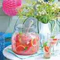 Fläderbål med grape och jordgubbe