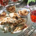 Grillade tortillasnibbar  med päron och ädelost