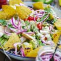 Mexikansk ranchsallad med kyckling och avokadodressing