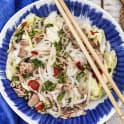 Asiatisk tonfisksallad med nudlar