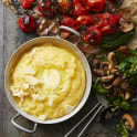 Krämig polenta med svamp och ugnsstekta tomater