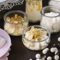 Vispad vit chokladpannacotta med passionsfrukt