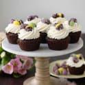 Chokladcupcakes med grädde och marsipanägg