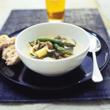 Bild på Lamm- och rotsellerisoppa med ostronskivling och sparris