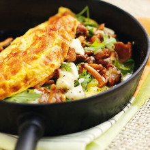 Bild på Omelett med kantareller, mozzarella och rucola