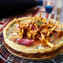 Bild på Parmesan- och örtpaj med syltade kantareller