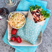 Wrap med <strong>kyckling</strong> och coleslaw