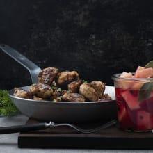 Kycklingköttbullar med picklad rotselleri