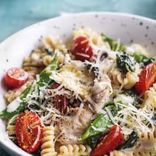 Krämig pasta med <strong>kyckling</strong> och sockerärter