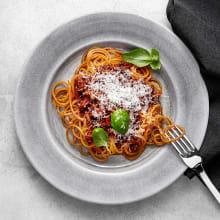 Belugabolognese med morotsspaghetti