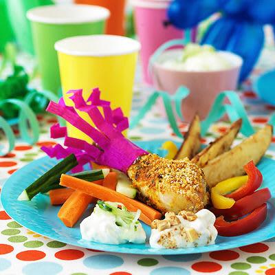 Bild på Partykyckling med knaprig potatis och grönsaksdipp