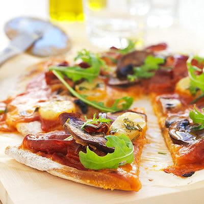Bild på Pizza med prosciutto och potatis