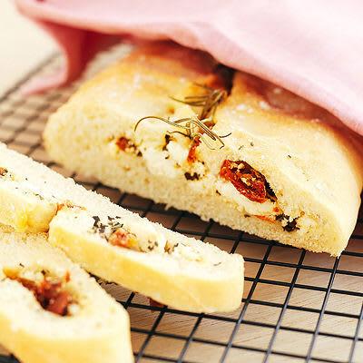 Bild på Stort bröd med fetaost- och tomatfyllning