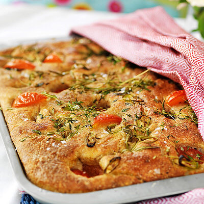Bild på Fyllda bröd på plåt med tomater