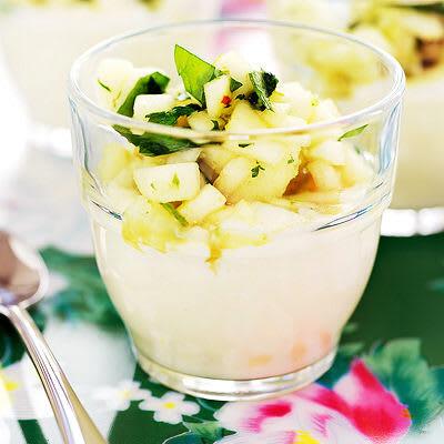 Bild på Vit chokladkräm med äpplen och ingefära