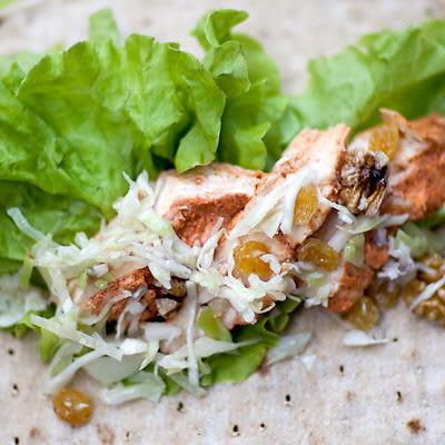 Bild på Wraps med kyckling och vitkålssallad