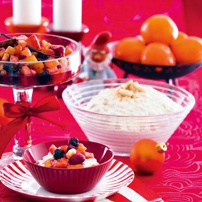 Bild på Mandelris med fruktsallad och romlag