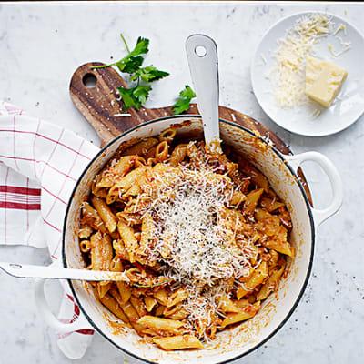 Bild på Pasta med bacon och tomat