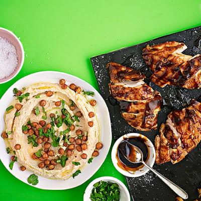 Bild på Ugnsstekt kyckling med hummus och rostade kikärtor