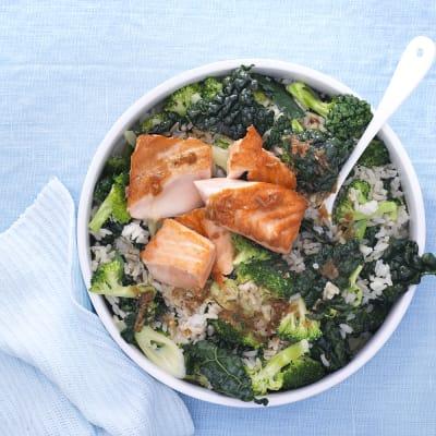 Bild på Lax med ingefärsdressing och grönsaksris