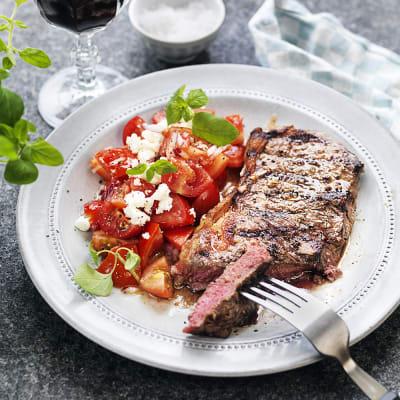 Bild på Biff med grekisk tomatsallad