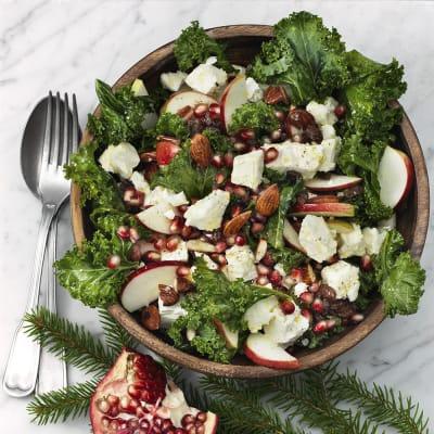 Bild på Grönkålssallad med fetaost och granatäpple