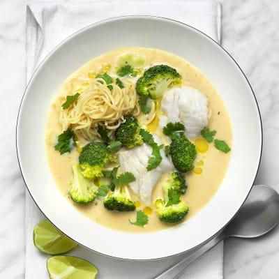 Bild på Fiskgryta med nudlar och broccoli