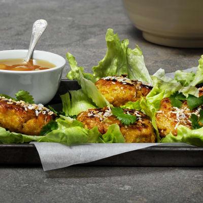 Bild på Chicken patties i salladsblad