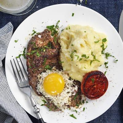 Bild på Lövbiff med ägg och pepparrot