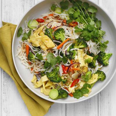 Bild på Vegetarisk risnudelwok