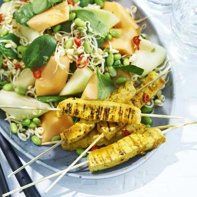 Bild på Marinerade tofuspett med asiatisk melonsallad
