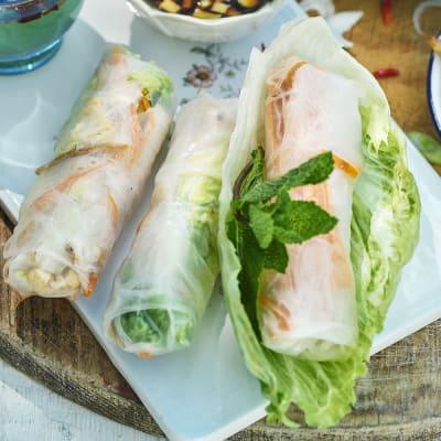 Bild på Risbladsrullar med kyckling och cashewnötter