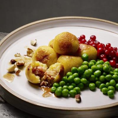 Bild på Lotta Lundgren - Kroppkakor med rostade hasselnötter