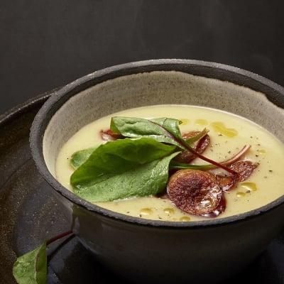 Bild på Jordärtskockssoppa med kryddig korv
