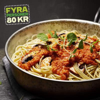 Bild på Spagetti med tomatsås och vitlöksfräst svamp