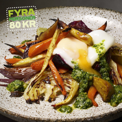 Bild på Rostade rotsaker med spenatpesto och pocherat ägg
