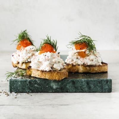 Bild på Snittar med skagenröra på tofu