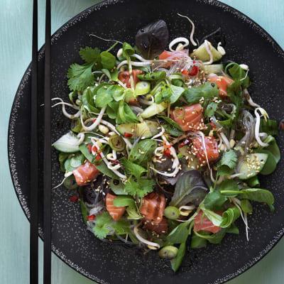 Bild på Sashimi nudelsallad