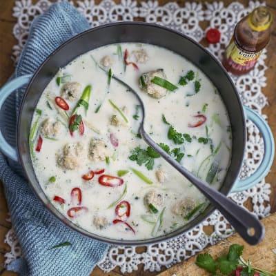Bild på Soppa med fiskfrikadeller och limeblad