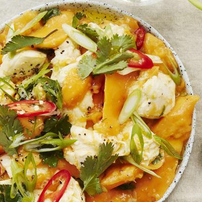 Bild på Mango med mozzarella, chili, lime och koriander