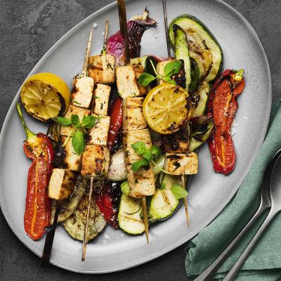 Bild på Marinerade tofuspett med medelhavsgrönsaker